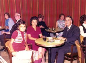 Aco Šopov, avec son épouse Svetlana et sa fille Jasmina, sur le bateau Irpinia, en 1972.