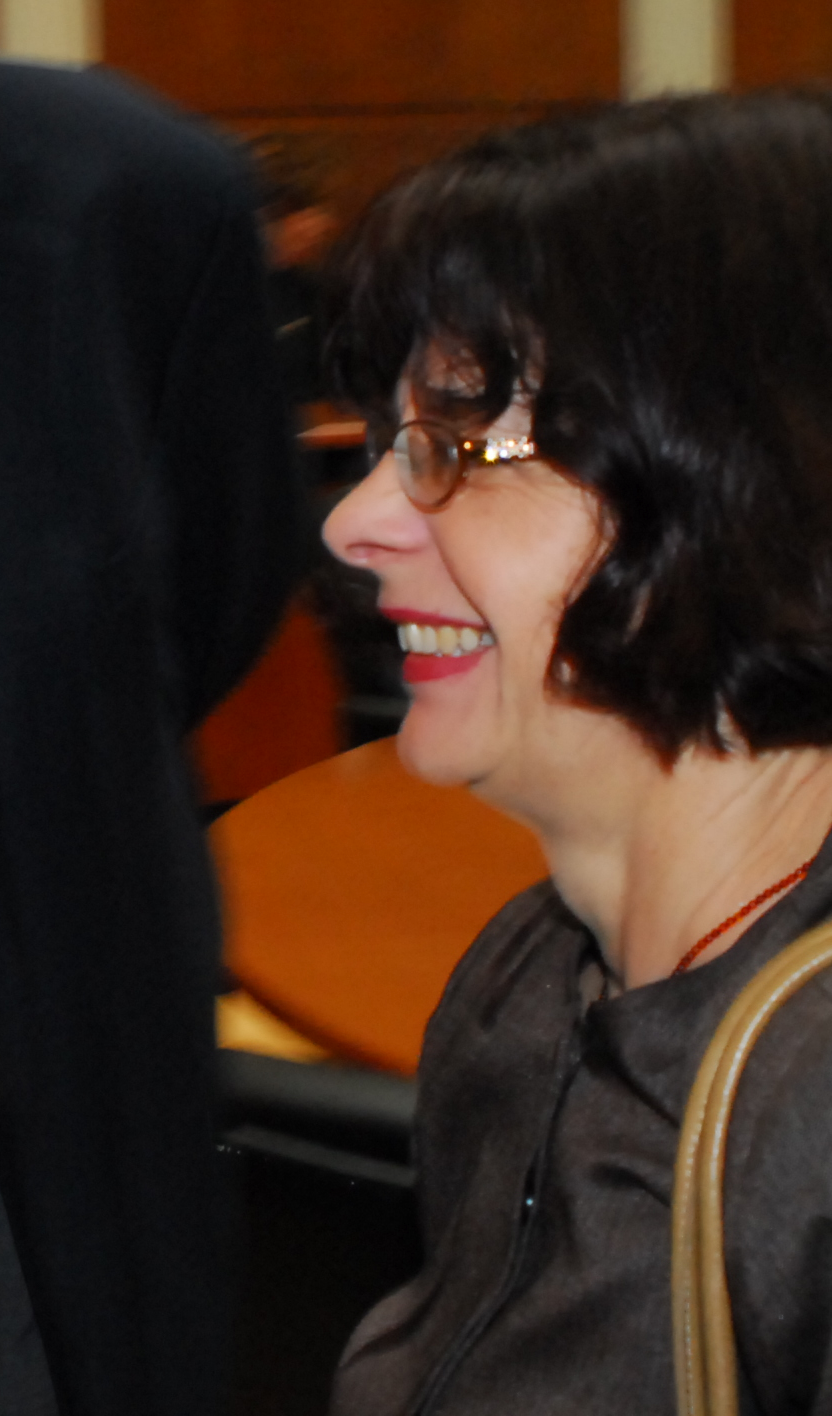 Kata Ćulavkova à l'Académie macédonienne des sciences et des art, le 3 mai 2012, lors de la promotion des livres Sol Negro (Buenos Aires, Leviatan) et Soleil Noir/Schwarze Sonne (Luxembourg, Editions PHI). © Aco Šopov - Poesis.