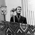 Ацо Шопов држи говор на Вториот конгрес на антифашистичката младина на Македонија, во јануари 1945 год., во Скопје.