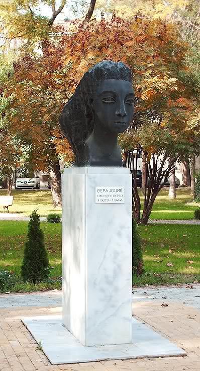 spomenik_vera_jocic_park